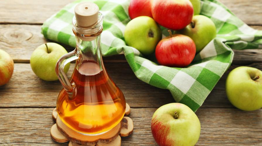 aceto di mele utile per la pelle