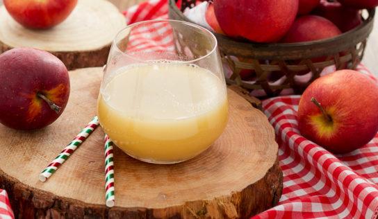 Succo di mela per il colon.