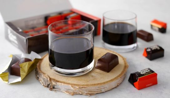 Liquore caffè e cioccolato ( pocket coffee ).