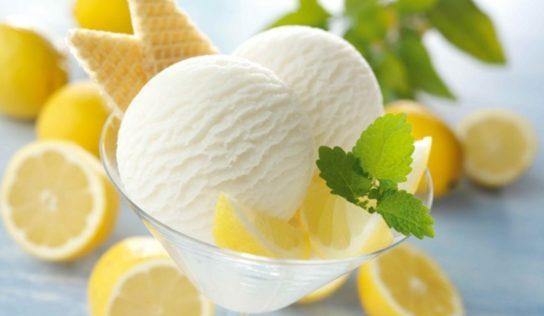 Sorbetto al limone, pronto in due minuti.
