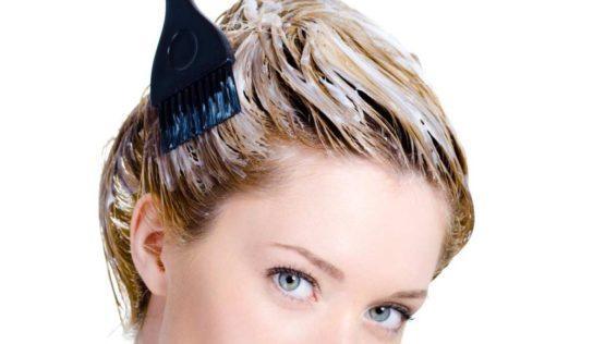 Tingere i capelli in modo naturale.