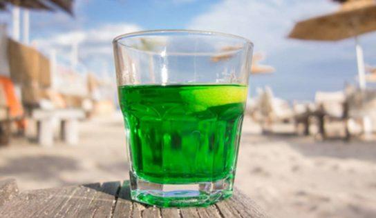 Liquore verdello aromatizzato.