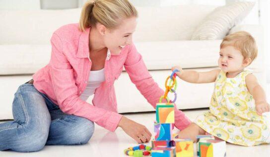 Attività da fare in casa con i bambini molto piccoli