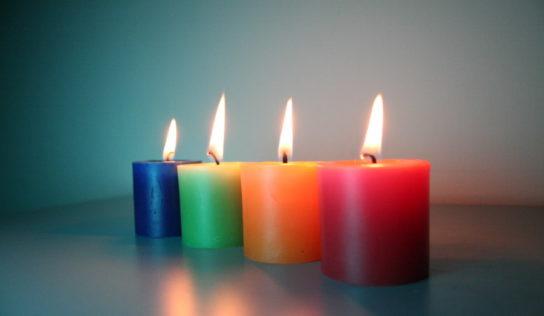 Scoprire il significato del colore delle candele, per poter fare la scelta giusta.