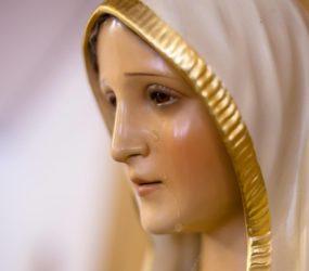 Preghiera per proteggere i nostri figli. Affidiamoli a Maria.