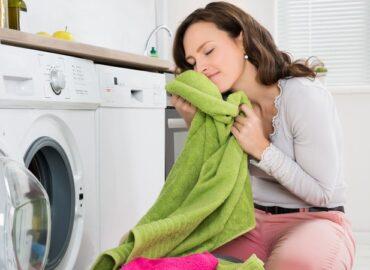 Come utilizzare gli oli essenziali per profumare i panni in asciugatrice