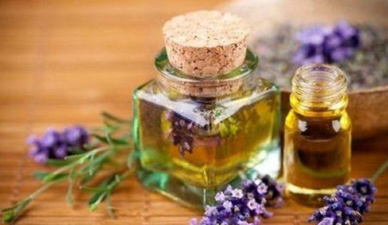 Deodorante naturale per il corpo, fai da te, con bicarbonato e olii essenziali