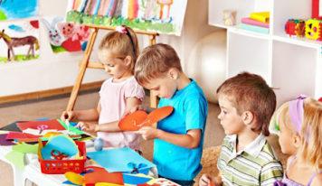Come intrattenere i bambini dipingendo.