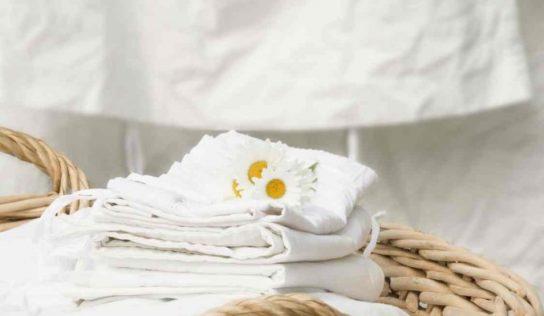 Tovaglie e lenzuola ingiallite, rimedi naturali per riportarle al bianco originario