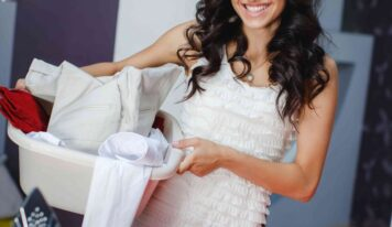 Come lavare gli abiti a secco in casa.