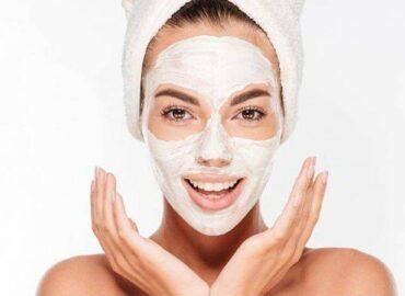 Maschera viso,  bicarbonato di sodio e miele, effetto ringiovanente