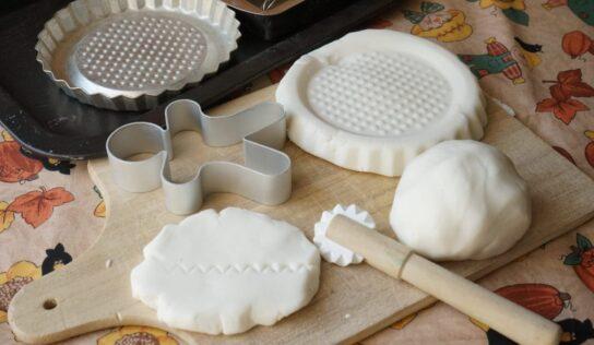Come creare la pasta al bicarbonato.