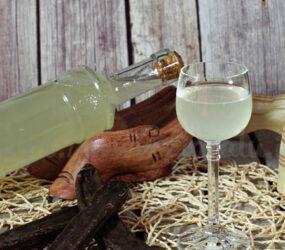 Liquore di carrube ricetta
