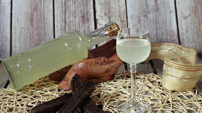 liquore carrube