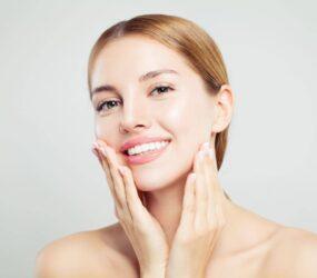 Come eliminare  i peli del viso in modo naturale, veloce ed economico.