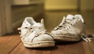 Come sbiancare le sneakers e farle sembrare sempre nuove