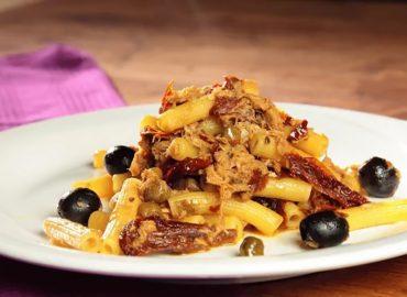 Pasta tonno e pomodori secchi, primo piatto gustoso e veloce da preparare