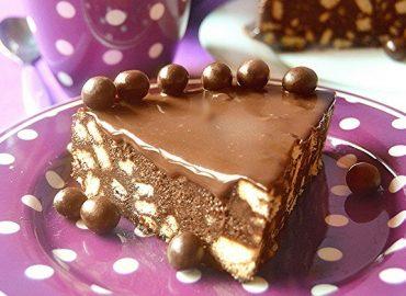 Torta ciocco biscotto con copertura alla Nutella.