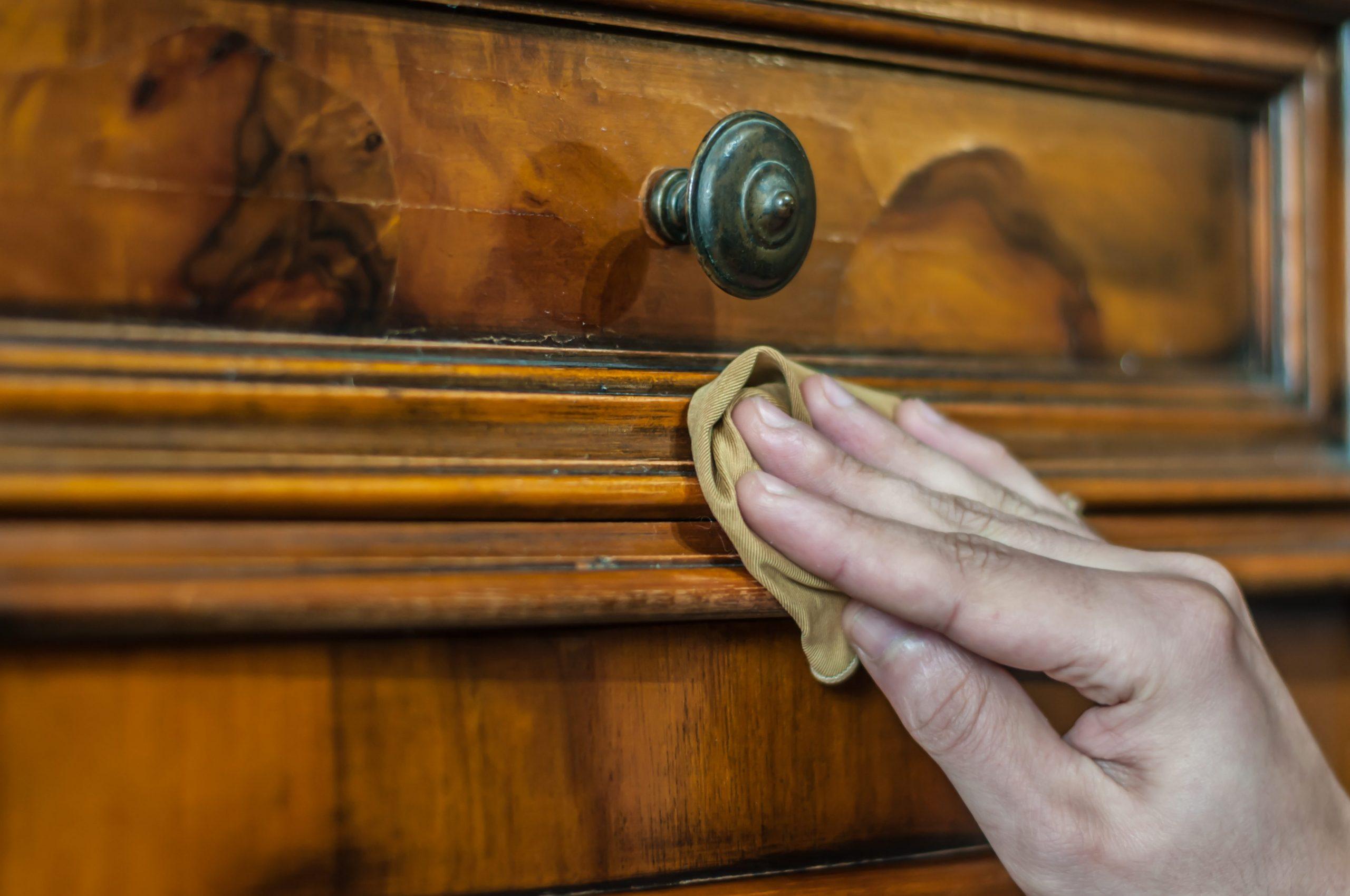 eliminare i tarli del legno